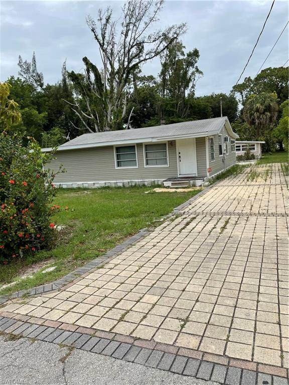 2331 Unity Avenue, Fort Myers, FL 33901 (MLS #221044605) :: Wentworth Realty Group