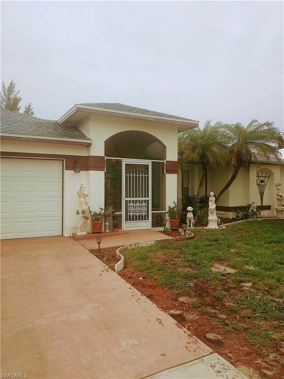 208 SW 20th Street, Cape Coral, FL 33991 (MLS #221044949) :: Clausen Properties, Inc.
