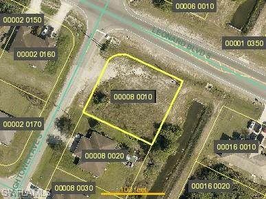 2301 Hightower Avenue S, Lehigh Acres, FL 33973 (#221045464) :: The Dellatorè Real Estate Group