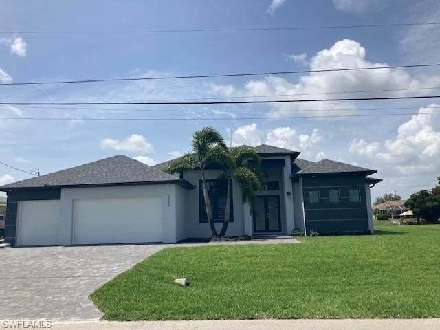 2135 NE 4th Street, Cape Coral, FL 33909 (MLS #221045831) :: Team Swanbeck