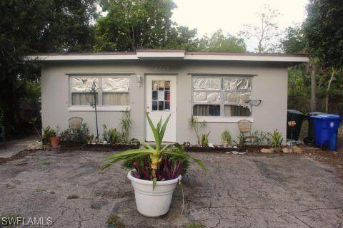 2227 Clifford Street, Fort Myers, FL 33901 (MLS #221046099) :: Realty Group Of Southwest Florida