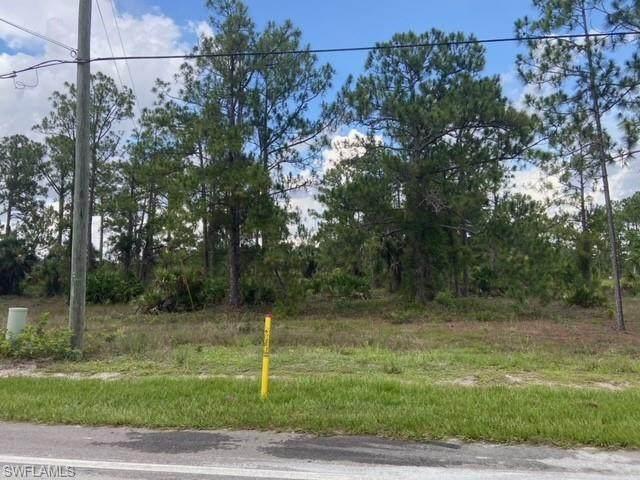 Everglades 37 Avenue NE, Naples, FL 34120 (MLS #221048704) :: The Naples Beach And Homes Team/MVP Realty