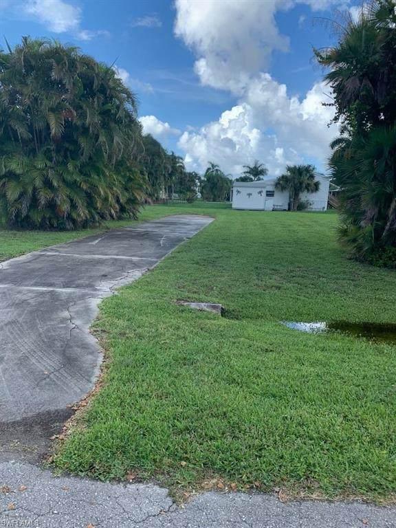 7727 Carpenter Road, Bokeelia, FL 33922 (MLS #221048909) :: Florida Homestar Team