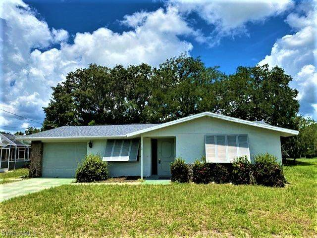 1036 Reed Terrace NW, Port Charlotte, FL 33948 (MLS #221052459) :: The Naples Beach And Homes Team/MVP Realty