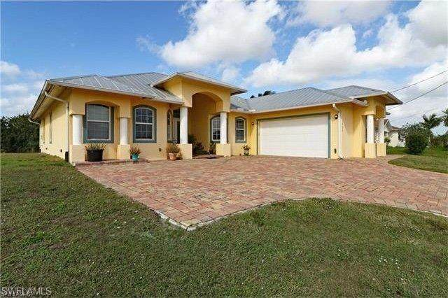 436 Picturesque Avenue, Lehigh Acres, FL 33974 (MLS #221054082) :: Realty One Group Connections