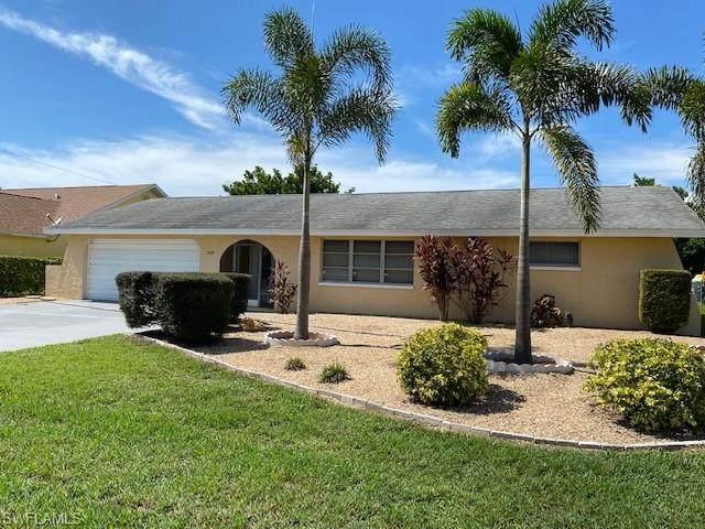 529 SE 27th Street, Cape Coral, FL 33904 (MLS #221055604) :: Premier Home Experts