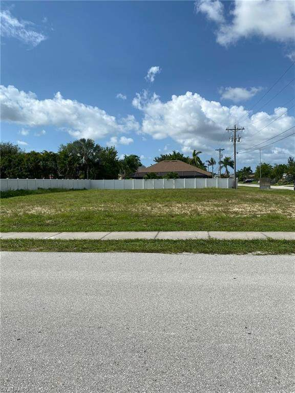 1303 SW 28th Street, Cape Coral, FL 33914 (MLS #221055819) :: RE/MAX Realty Group