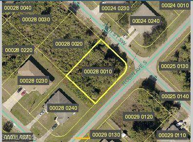 5201/5203 30th Street SW, Lehigh Acres, FL 33973 (MLS #221066686) :: Realty One Group Connections
