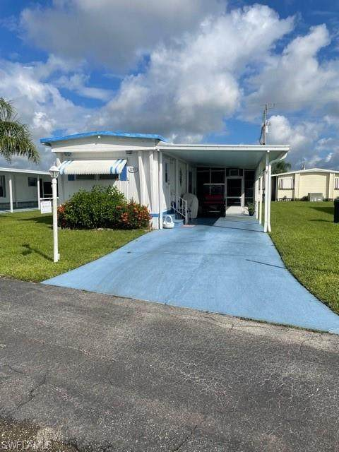 3185 Pluto Circle, North Fort Myers, FL 33903 (MLS #221068357) :: Realty World J. Pavich Real Estate