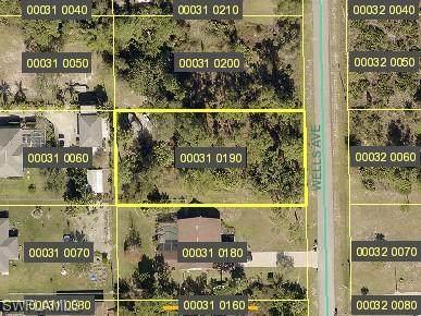 613 Wells Avenue, Lehigh Acres, FL 33972 (MLS #221068783) :: Waterfront Realty Group, INC.