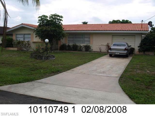 428 Pinecrest Court, Cape Coral, FL 33904 (MLS #221070454) :: Sun and Sand Team