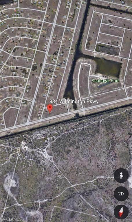 834 Wilmington Parkway, Cape Coral, FL 33993 (MLS #221071670) :: #1 Real Estate Services