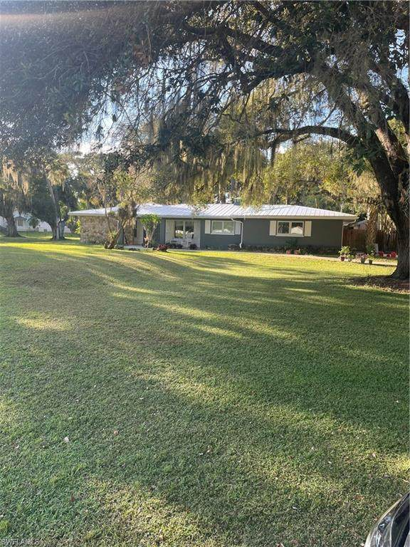 17601 Williamsburg Drive, North Fort Myers, FL 33917 (MLS #221073470) :: #1 Real Estate Services