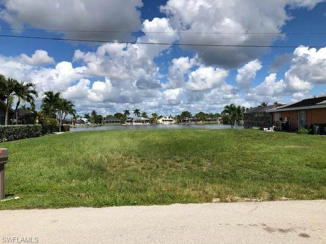 417 SW 46th Terrace, Cape Coral, FL 33914 (MLS #221073604) :: #1 Real Estate Services
