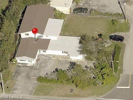720 Pondella Road, North Fort Myers, FL 33903 (MLS #221073828) :: Florida Homestar Team