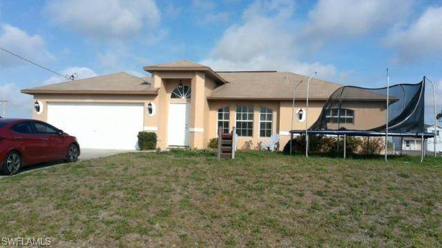 2842 NW 3rd Place, Cape Coral, FL 33993 (#221074429) :: The Michelle Thomas Team