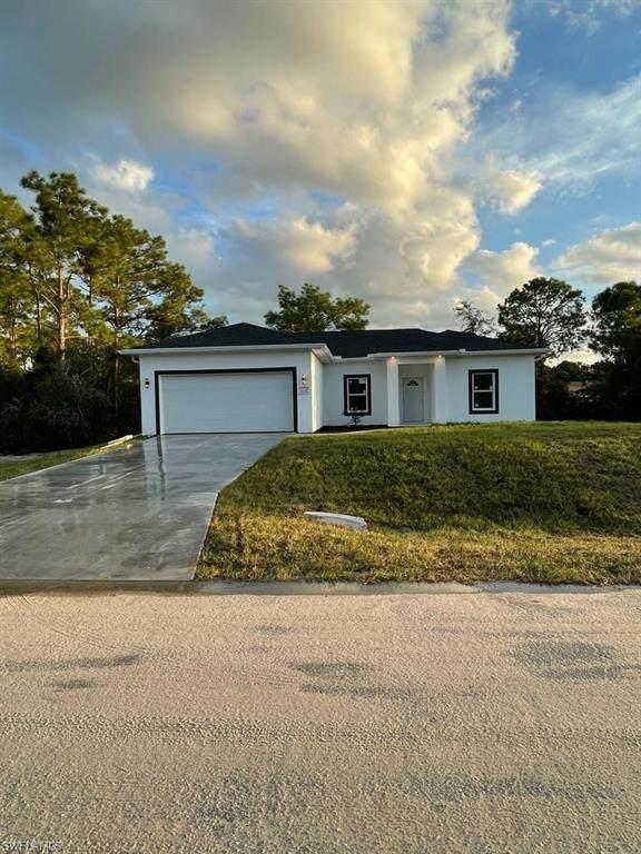 3809 39th Street SW, Lehigh Acres, FL 33976 (MLS #221074501) :: Medway Realty