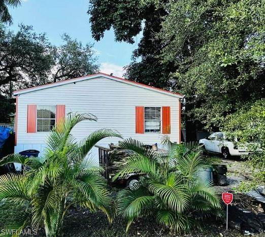 320 Redlin Street, North Fort Myers, FL 33903 (MLS #221074530) :: Medway Realty