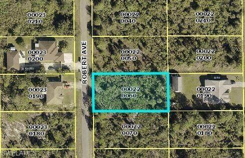 912 Robert Avenue, Lehigh Acres, FL 33936 (#221076123) :: Southwest Florida R.E. Group Inc