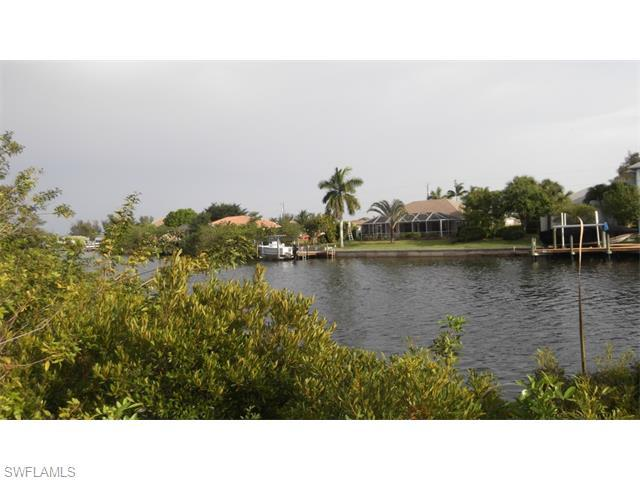 3410 SW 2nd St, Cape Coral, FL 33991 (#215029049) :: Homes and Land Brokers, Inc
