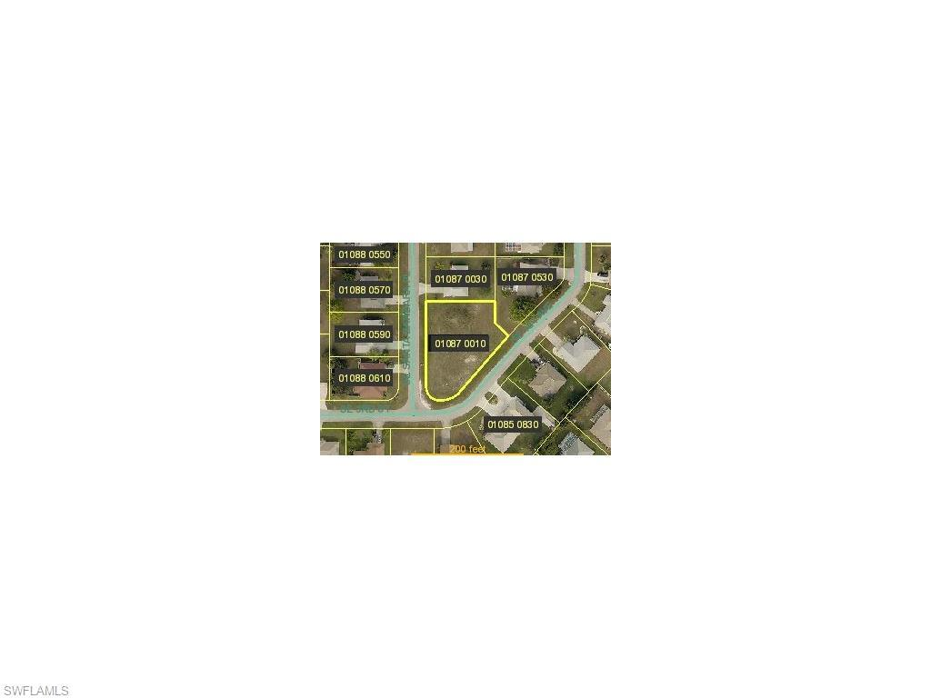 255 SE Santa Barbara Pl, Cape Coral, FL 33990 (#215054753) :: Homes and Land Brokers, Inc