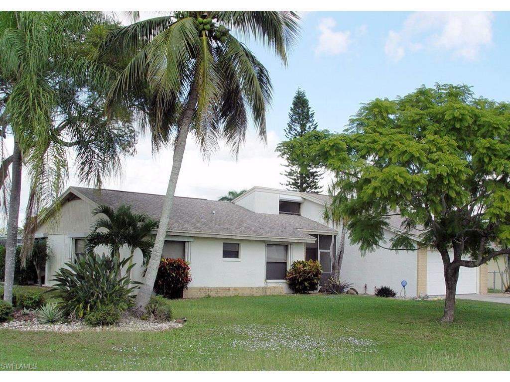 3430 SE 2nd Pl, Cape Coral, FL 33904 (MLS #215062607) :: The New Home Spot, Inc.