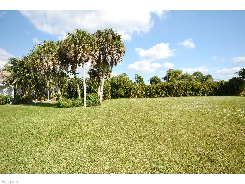 7396 Grande Pine Rd, Bokeelia, FL 33922 (#215063526) :: Homes and Land Brokers, Inc