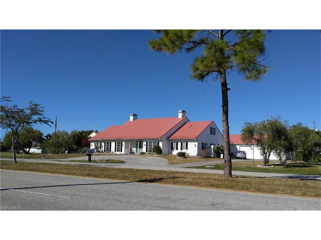 201 Nicholas Pky W, Cape Coral, FL 33991 (MLS #215063713) :: The New Home Spot, Inc.