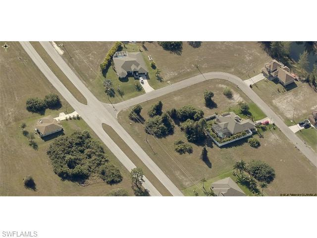 4202 Garden Blvd, Cape Coral, FL 33909 (#215065562) :: Homes and Land Brokers, Inc