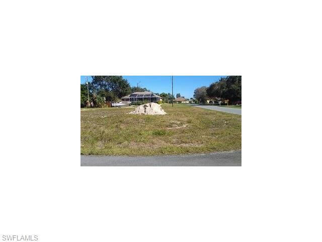 941 SW 7th Ave, Cape Coral, FL 33991 (#215068873) :: Homes and Land Brokers, Inc