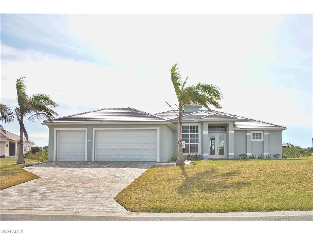 11783 Royal Tee Cir, Cape Coral, FL 33991 (MLS #216004491) :: The New Home Spot, Inc.