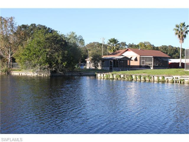 2870 County Road 721 Loop, Moore Haven, FL 33471 (#216004605) :: Homes and Land Brokers, Inc