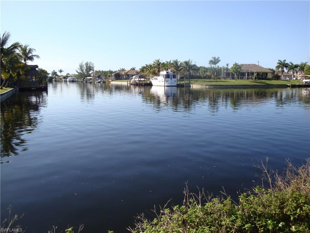 2728 SW 25th St, Cape Coral, FL 33914 (#216008261) :: Homes and Land Brokers, Inc