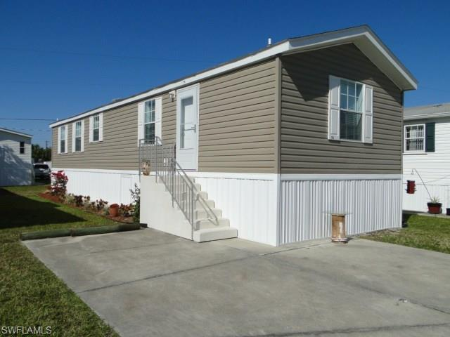56 Oyster Bay Ln, Fort Myers Beach, FL 33931 (#216013322) :: Homes and Land Brokers, Inc