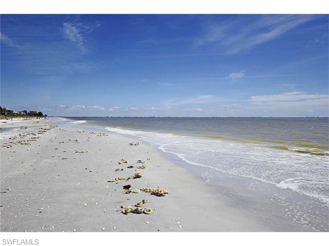 1341 Middle Gulf Dr 15B, Sanibel, FL 33957 (#216014871) :: Homes and Land Brokers, Inc