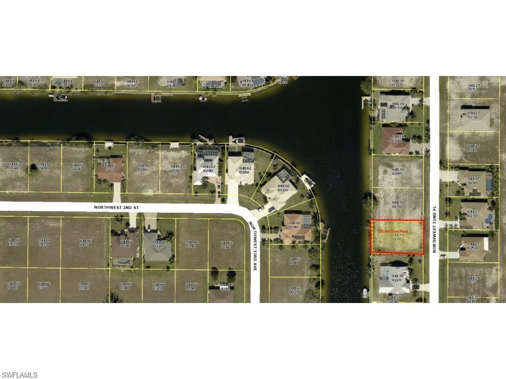 126 NW 32nd Pl, Cape Coral, FL 33993 (MLS #216015019) :: The New Home Spot, Inc.