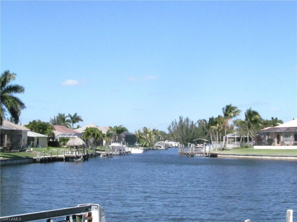 4710 SW 19th Pl, Cape Coral, FL 33914 (MLS #216015156) :: The New Home Spot, Inc.