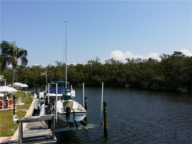 95 Blackbeard Way, Fort Myers Beach, FL 33931 (MLS #216022034) :: The New Home Spot, Inc.