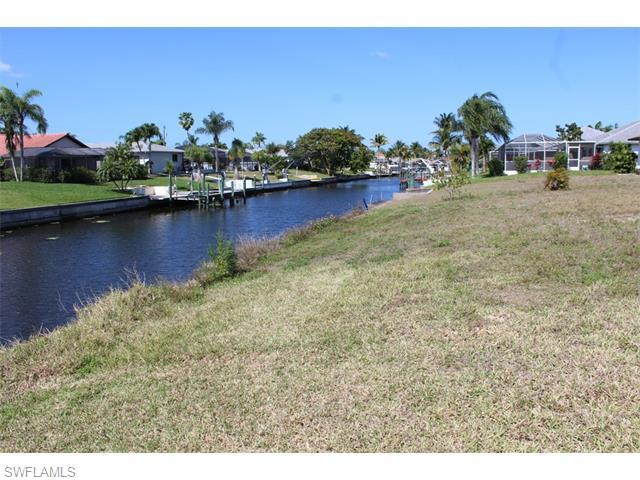 1218 SE 23rd St, Cape Coral, FL 33990 (#216024383) :: Homes and Land Brokers, Inc