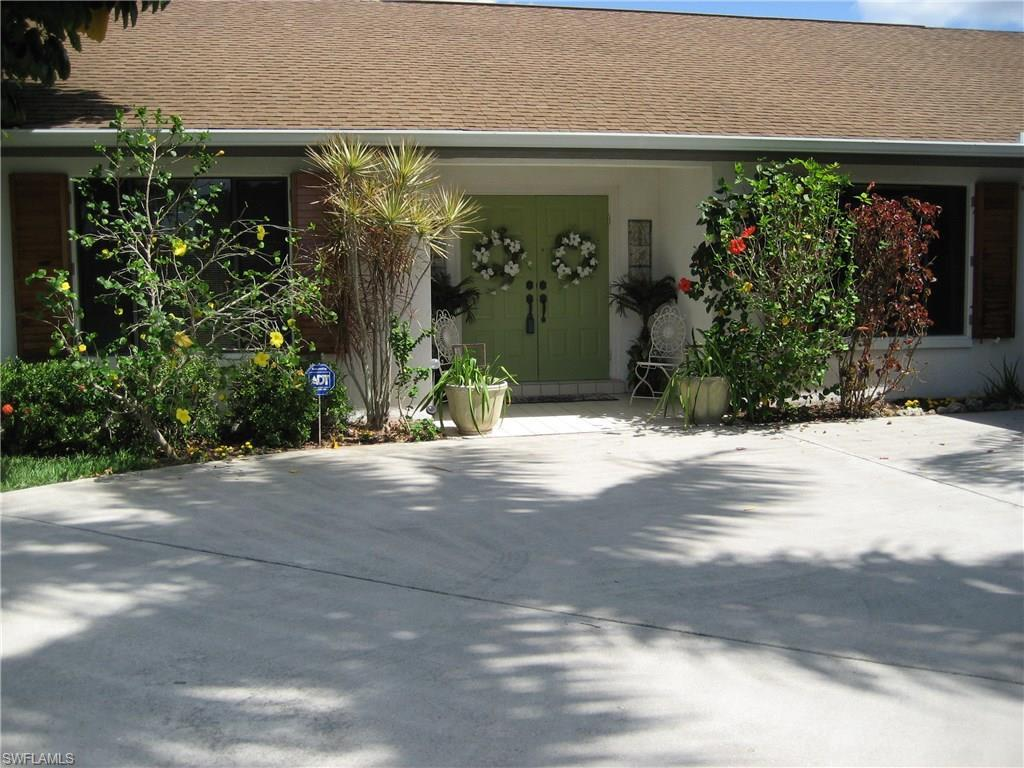 2107 SE 5th Ter, Cape Coral, FL 33990 (#216025369) :: Homes and Land Brokers, Inc