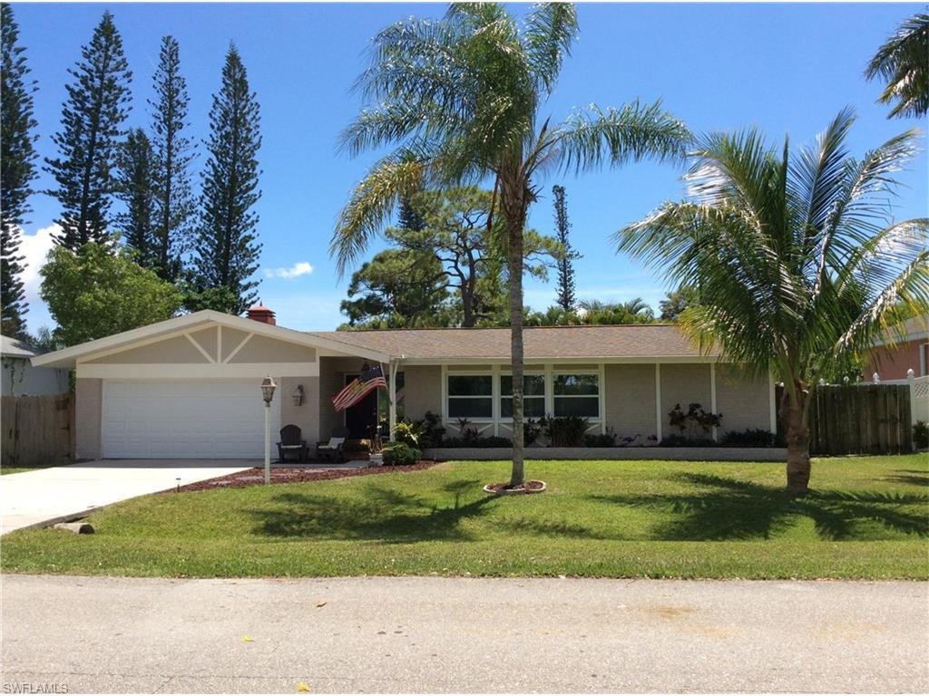 244 SE 46 St, Cape Coral, FL 33904 (MLS #216025671) :: The New Home Spot, Inc.