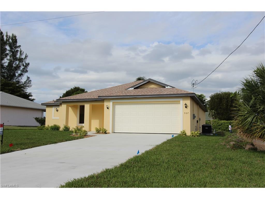 220 SE 4th Ter, Cape Coral, FL 33990 (MLS #216027129) :: The New Home Spot, Inc.