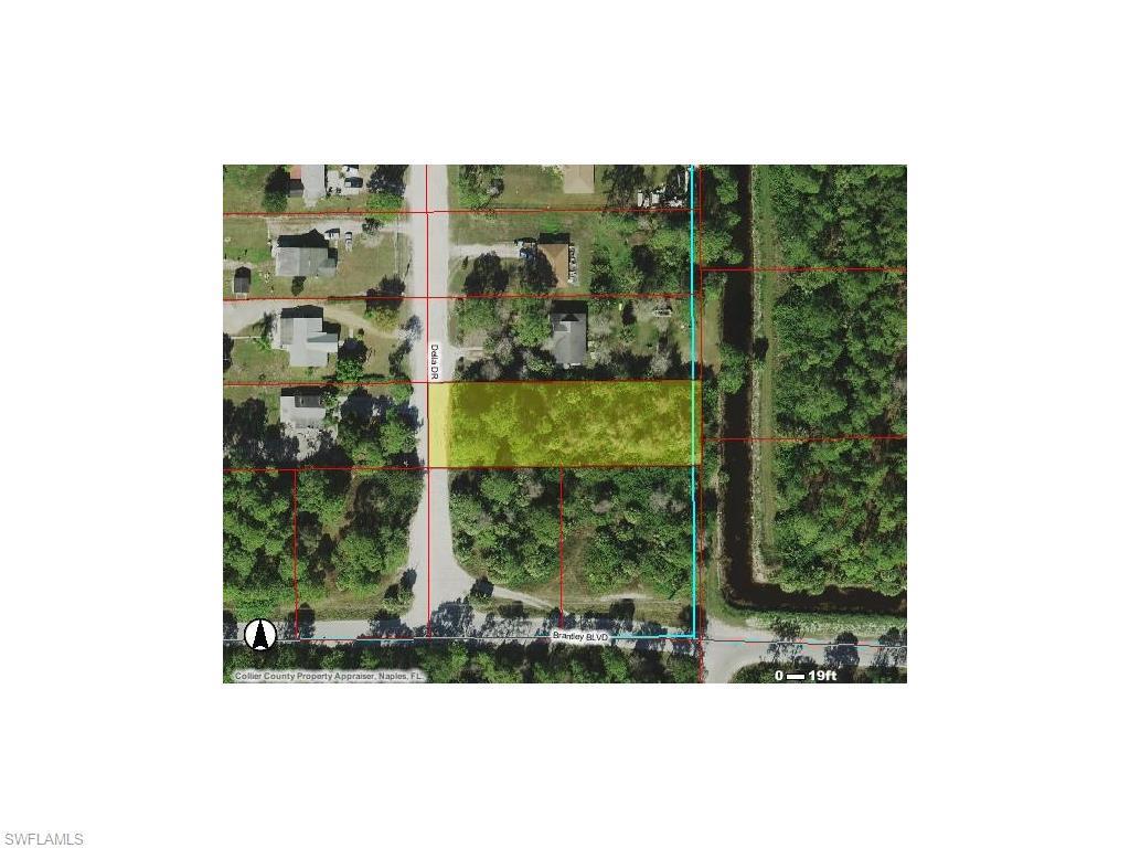 2370 Della Dr, Naples, FL 34117 (#216028237) :: Homes and Land Brokers, Inc