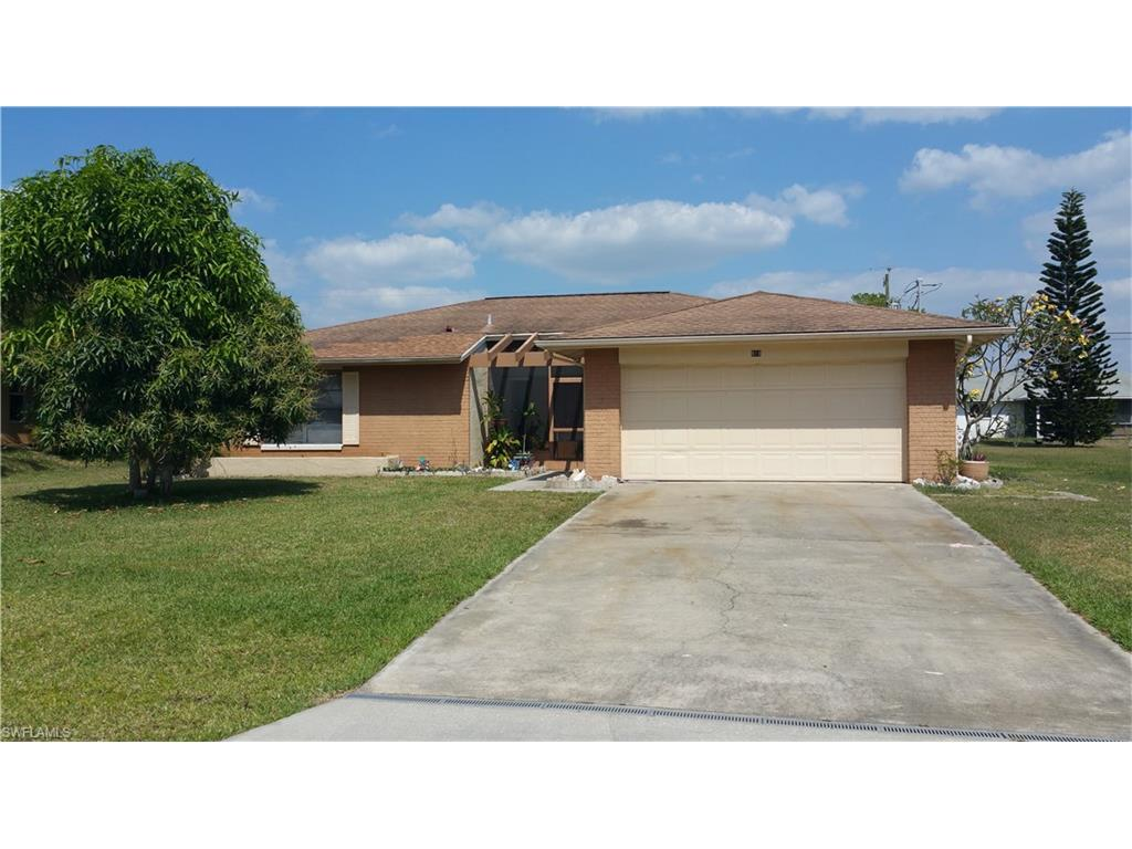 919 SE 5th Pl, Cape Coral, FL 33990 (MLS #216028362) :: The New Home Spot, Inc.