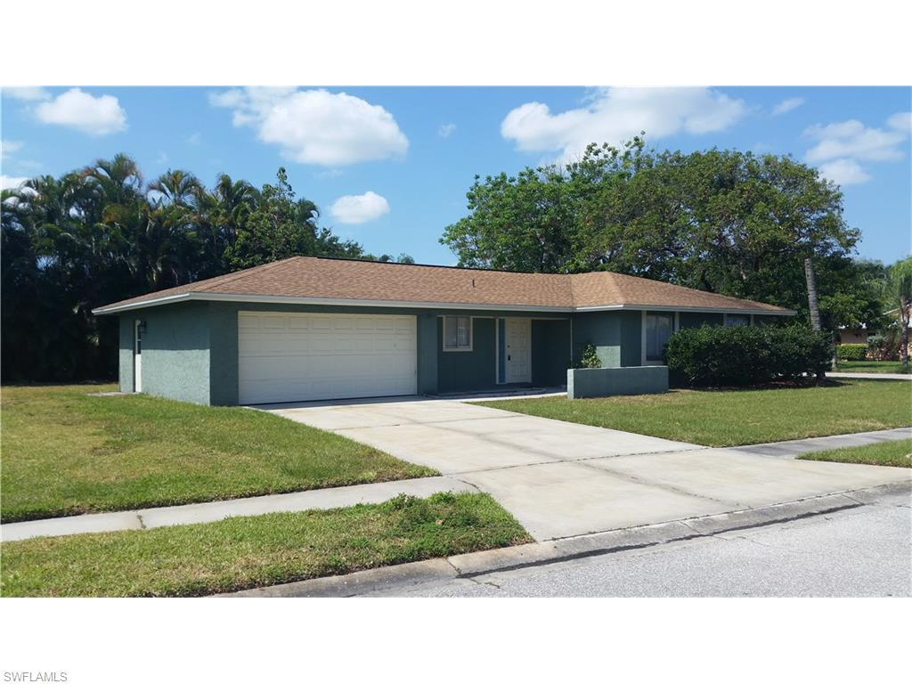 916 Creighton Dr, Fort Myers, FL 33919 (MLS #216029861) :: The New Home Spot, Inc.