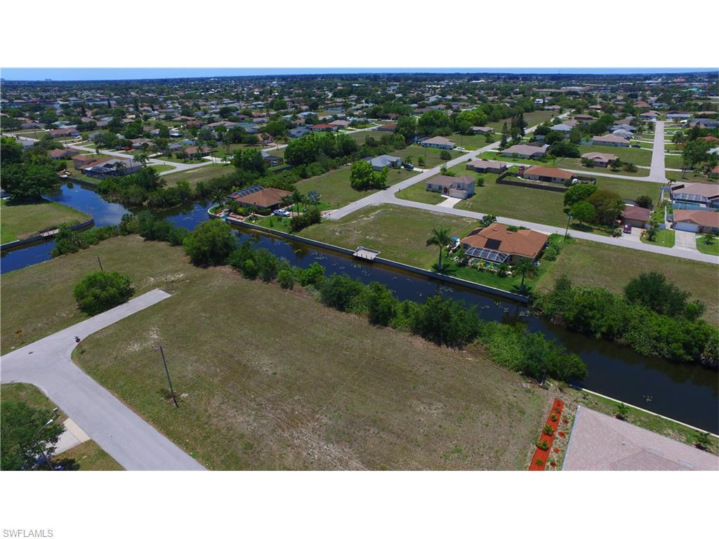 134 SE 5th Ave, Cape Coral, FL 33990 (#216031129) :: Homes and Land Brokers, Inc