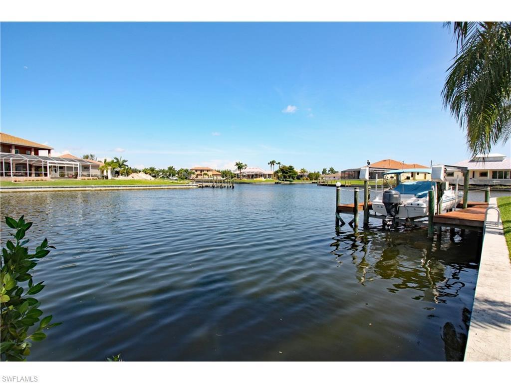 4013 SW 27th Ct, Cape Coral, FL 33914 (#216033409) :: Homes and Land Brokers, Inc
