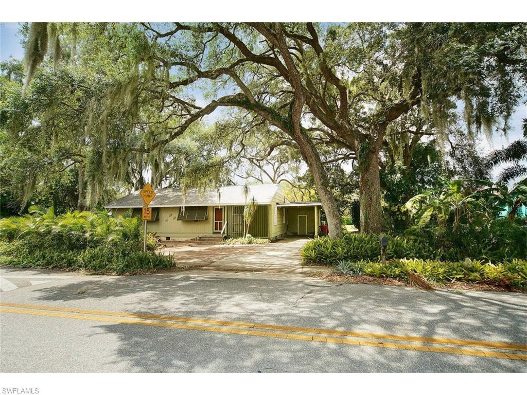 1476 Winkler Ave, Fort Myers, FL 33901 (#216036750) :: Homes and Land Brokers, Inc
