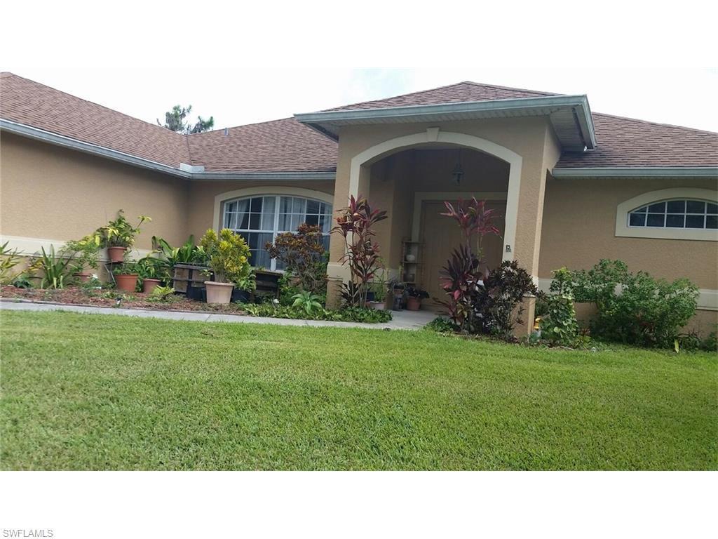1032 Jaguar Blvd, Lehigh Acres, FL 33974 (#216042415) :: Homes and Land Brokers, Inc