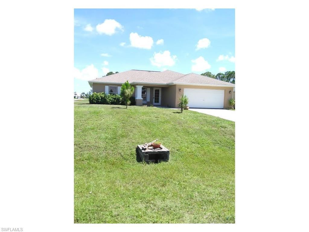 1128 NE 33rd Ln, Cape Coral, FL 33909 (#216043401) :: Homes and Land Brokers, Inc